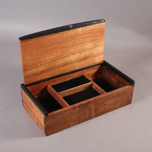 Black Palm dovetailed box open